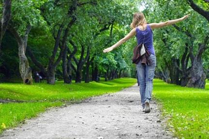 eco friendly lifestyle, go for a walk