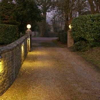 Off-Grid-Essentials-Gate-Lamps